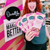 💗 LISTEN UP LIQUORICE LOVERS 💗 Tickle your taste buds with the latest @darrelllea choccie block flavour 😍 The Roadies were lucky enough to snag a sample this morning and WOW, there's raspberry liquorice and raspberry chips swirled through the delectable Darrell Lea milk chocolate 🤤 it's actually dangerous how delicious is is!!!! 😱😱😱 #bestblocksever